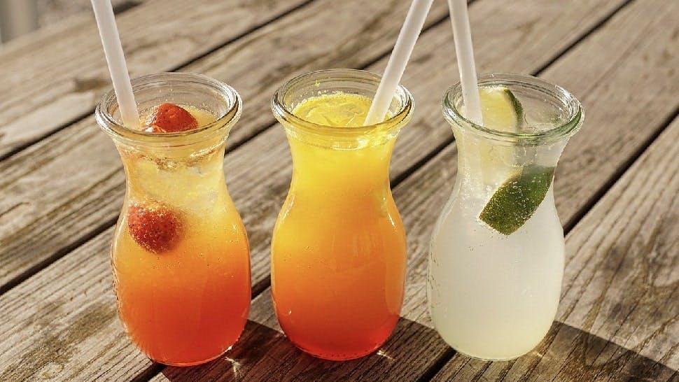 Sommerliche Drinks für Grillparty