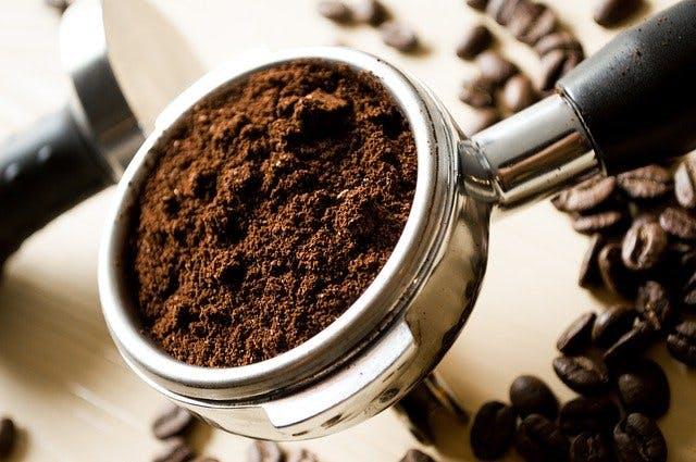 gemahlener Kaffee in Trester