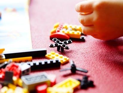 Vielfalt an Spielzeugen bei Tausendkind
