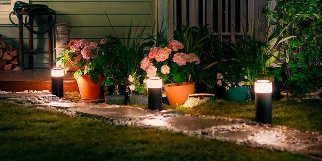 Leuchten am Gartenweg