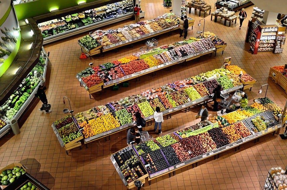 Gemüseabteilung aus der Vogelperspektive