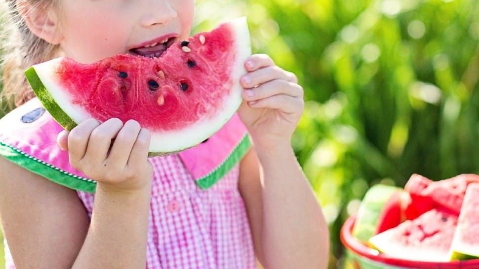 Eine Wassermelone reicht für viele als Sommergericht