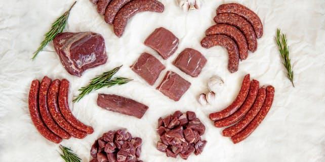 Sortiment von Wildfleisch aus dem Wildschwein-Paket