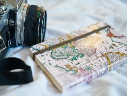 Fotogeschenke wie Textilien, Trinktassen, Dekoration, Visitenkarten  bei CEWE