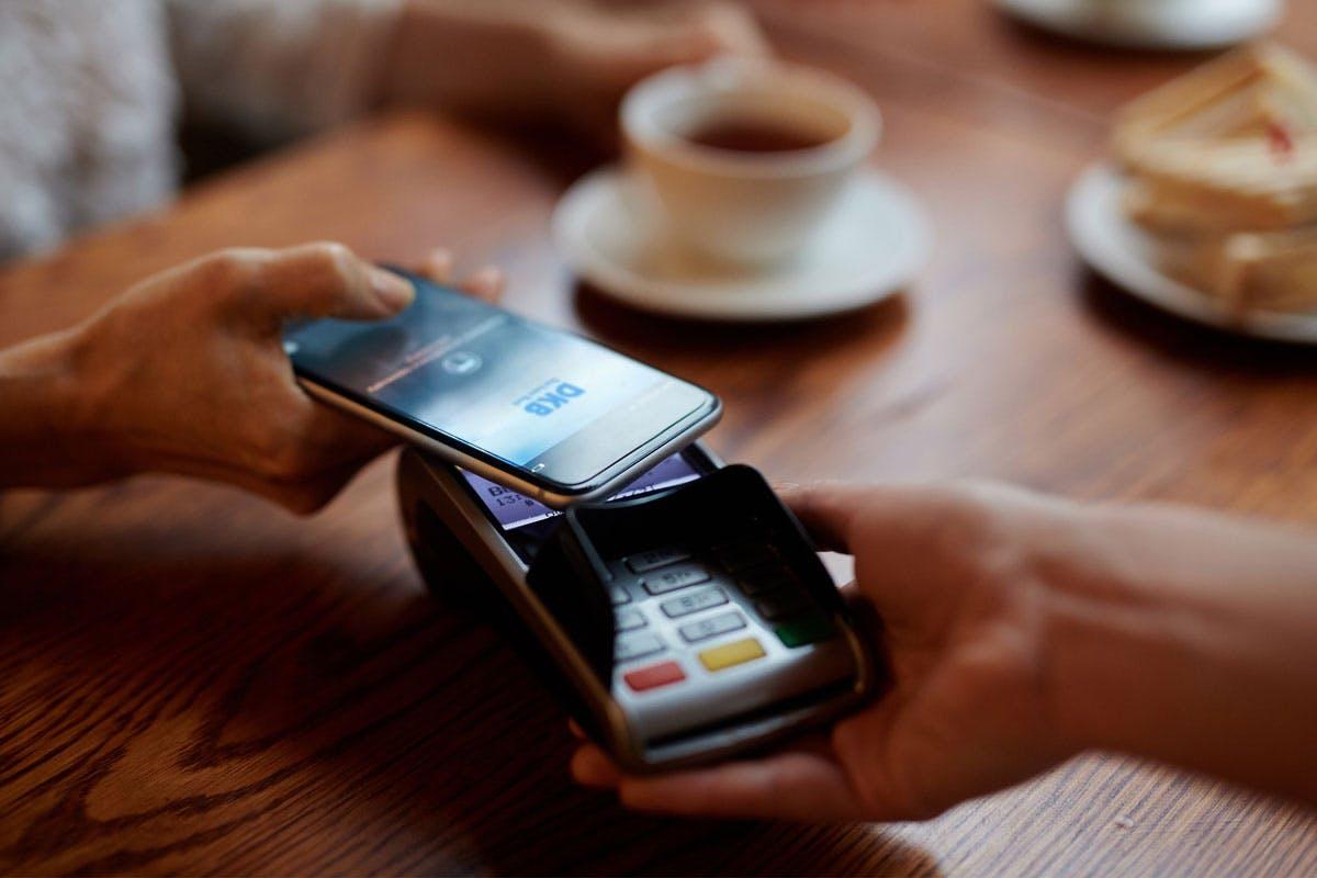 Kontaktlos bezahlen mit Smartphone