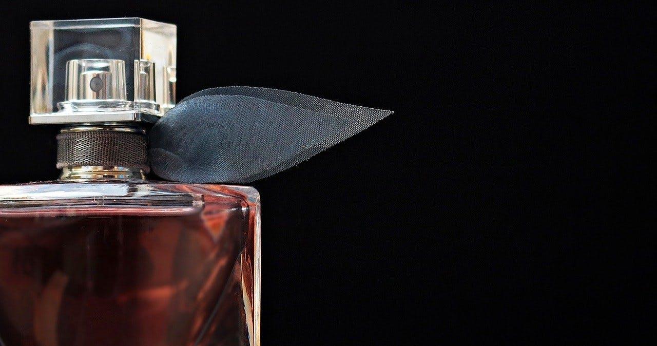 Parfüm Flakon