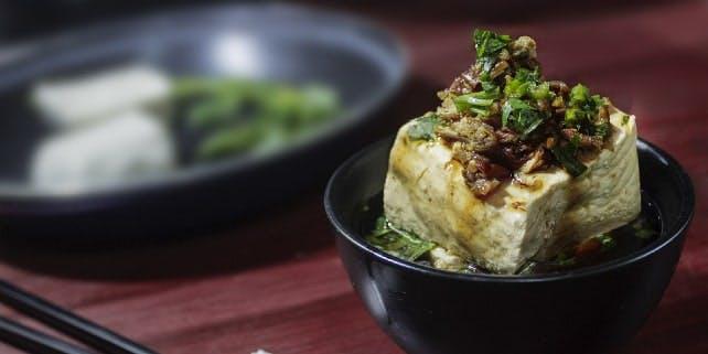 Tofu in einer Suppe